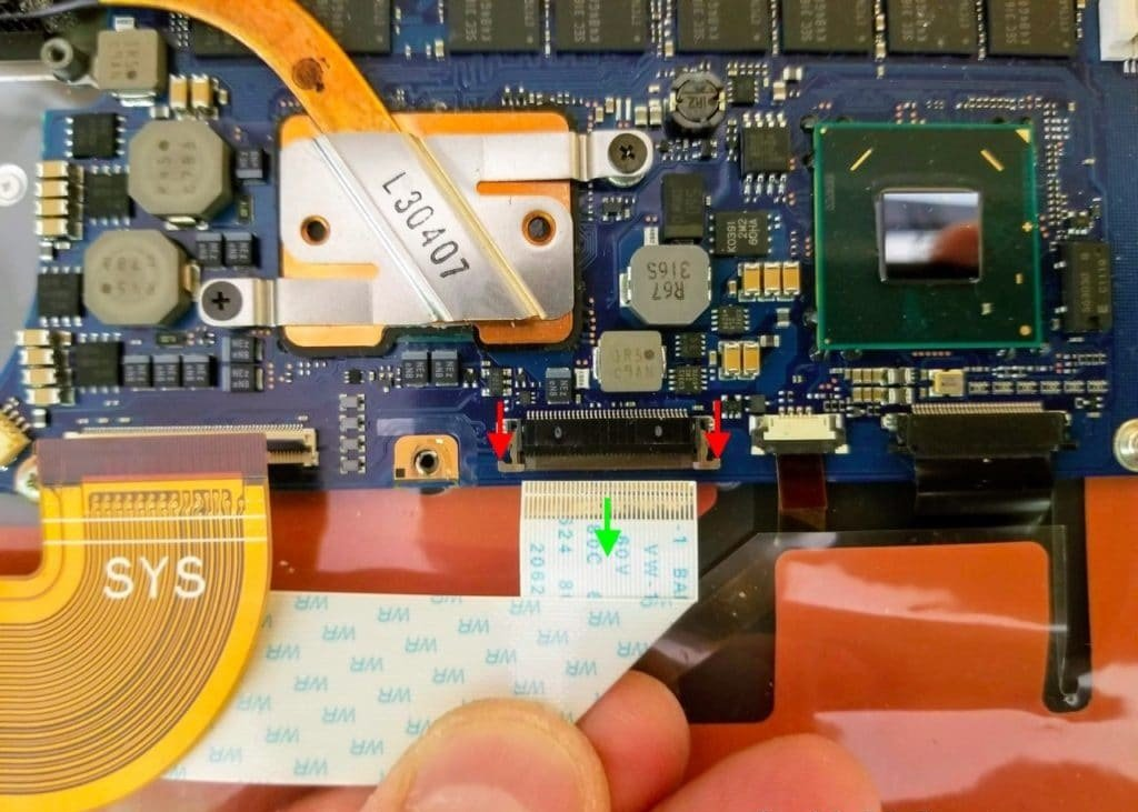 Nhu-nao-de-thao-laptop-Toshiba-Kira-Ultrabook