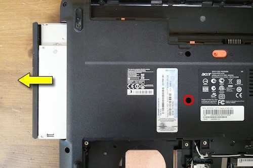 nhu-nao-de-thao-laptop-Acer-Aspire-4743-series
