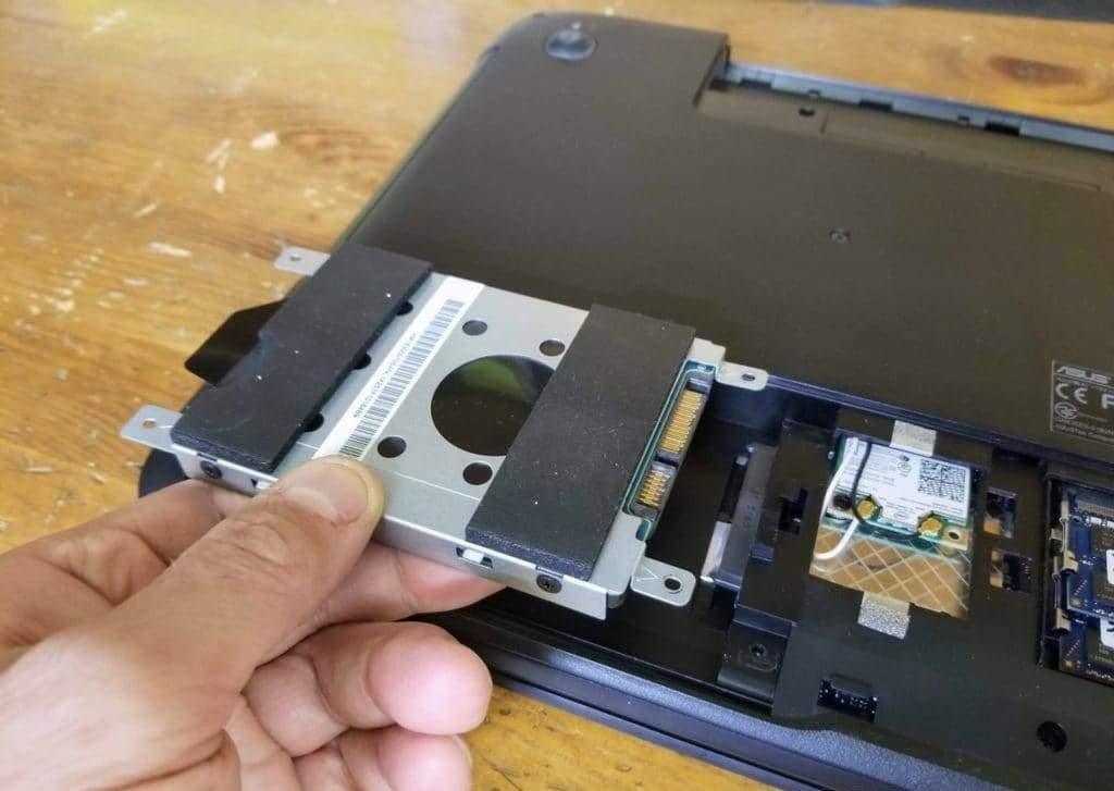 nhu-nao-de-thao-laptop-Asus-ROG-GL551JW-DS74