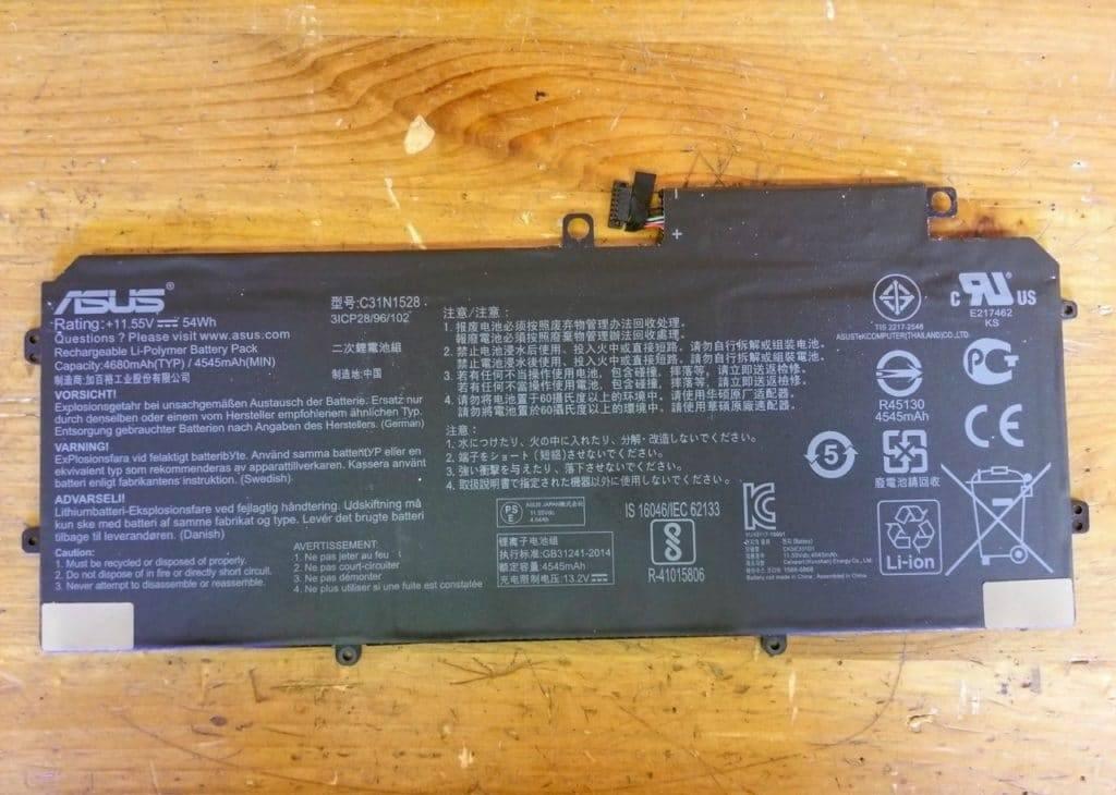 nhu-nao-de-thao-laptop-Asus-ZenBook-Flip-UX360C